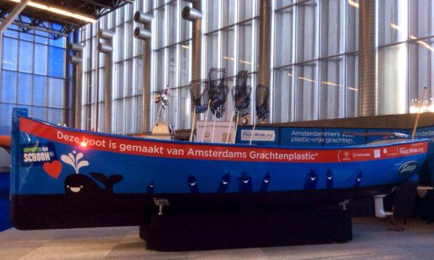 Vepa maakt kantoormeubilair van plastic uit Amsterdamse grachten
