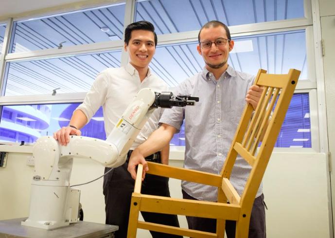 Nooit meer zelf een stoel in elkaar zetten dankzij robots(met video)