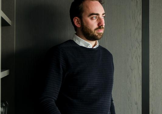 frederik delbart uitgeroepen tot designer van het jaar door interieur kortrijk