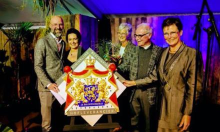 Koninklijke onderscheiding voor Woonboulevard Poortvliet