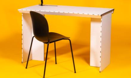 Deense start-up ontwerpt bureau dat bestaat uit drie stukken karton