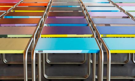 Kleurenspektakel – Thonet klassieker B9 siert Bauhaus museum