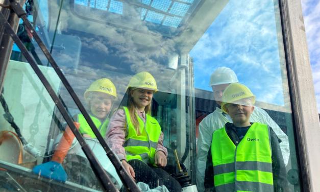 Nieuwe generatie slaat eerste paal Leolux Experience Center in Breukelen